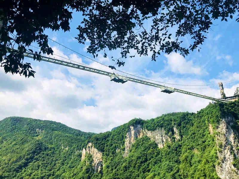 长沙早班)大峡谷玻璃桥/黄龙洞+天门山玻璃栈道+凤凰古城 三日游