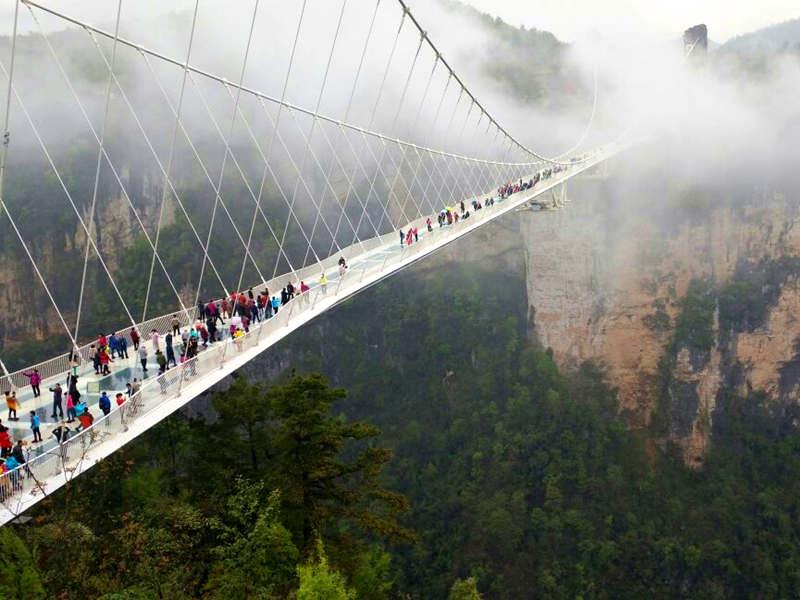 长沙早班)大峡谷玻璃桥+张家界+天门山+凤凰古城 高端四日游